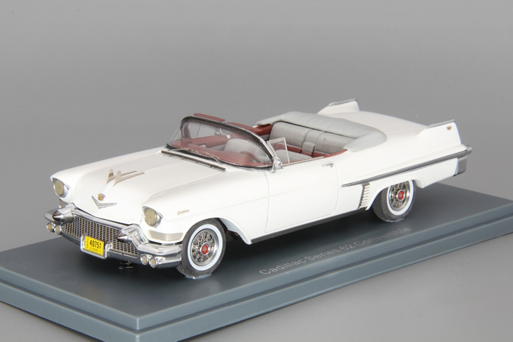 CADILLAC Series 62 Convertible Neo scale models 1:43 NEO44075